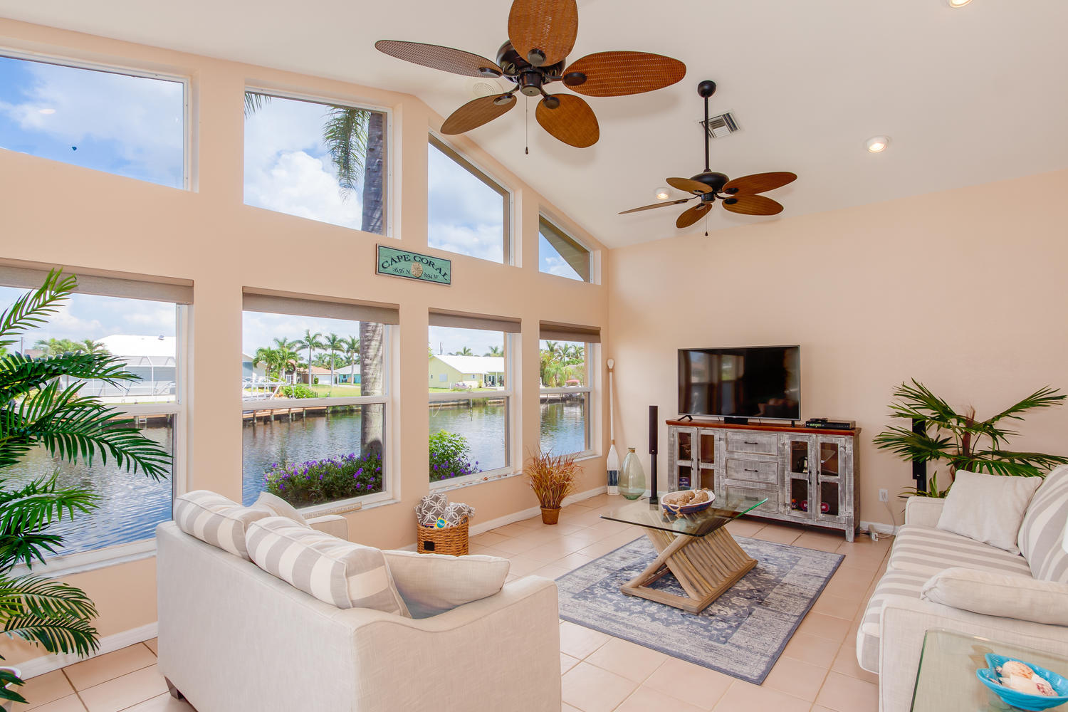Cape Coral Vacation Home Discounts and Specials in Florida